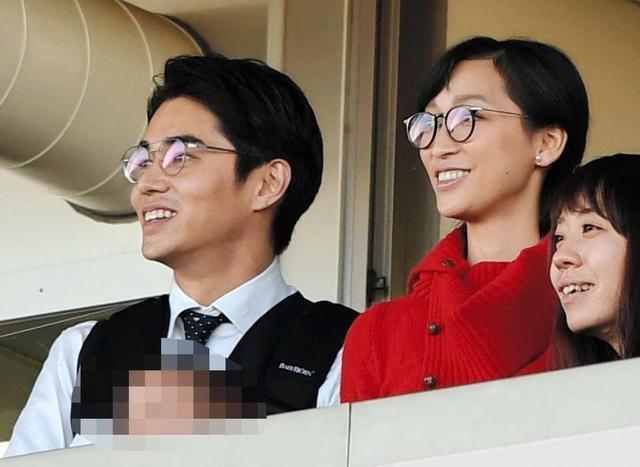 [杏×東出昌大]有馬記念で着用のメガネのブランドは?お揃いで話題に